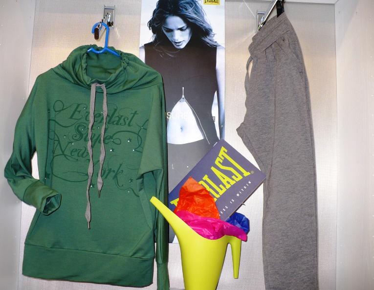 350fb92a6c5d Everlast tuta verde donna. abbigliamento everlast 4